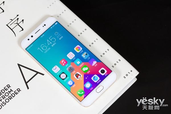 手机玩王者荣耀 是大屏好还是小屏好?