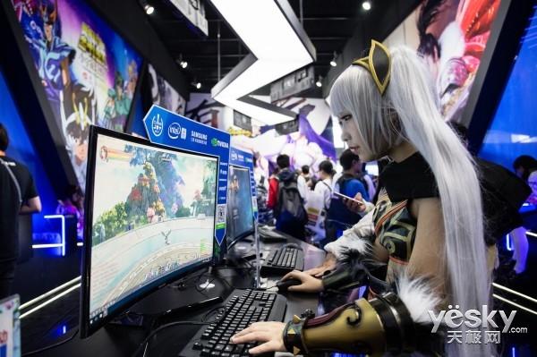 《仙侠世界2》Coser惊艳亮相ChinaJoy