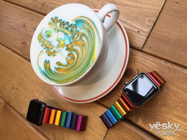 Juuk公司为Apple Watch推出限量版彩虹表带