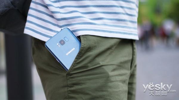 三星盖乐世S8雾屿蓝:召唤智能生活新风尚