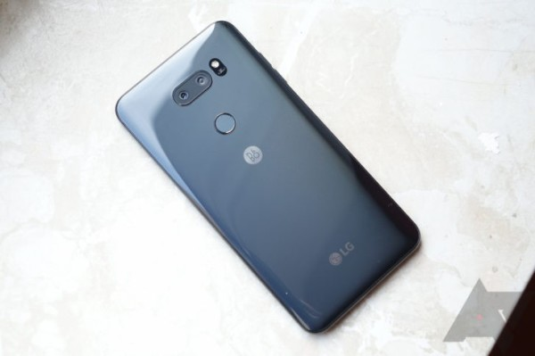 LG V30正式发布:骁龙835+超大光圈双摄