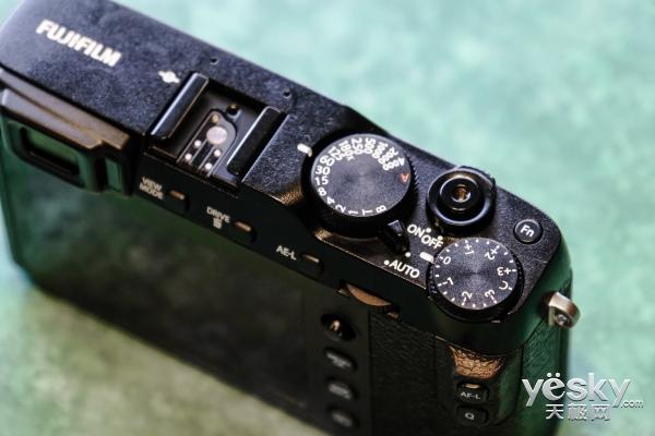 富士不仅带来了轻量化的X-E3 还有两支镜头