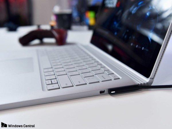 外媒:新款SurfaceBook预计2018年年初发布