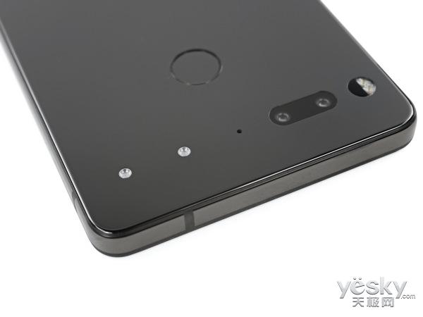 Essential Phone拆解:安卓之父出手不凡!