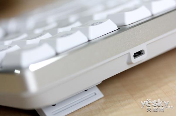 类红轴手感 雷柏MT500办公机械键盘图赏秀