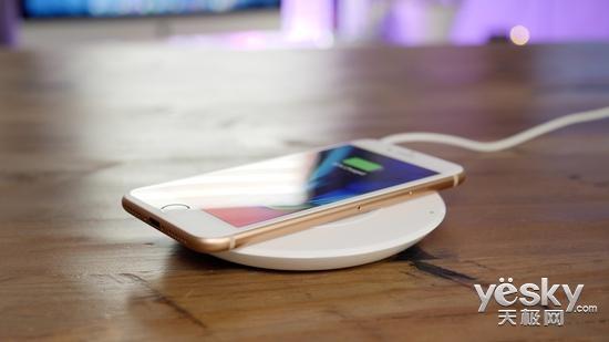 iPhone8无线充电成唯一亮点 和Note8比呢?