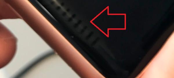 苹果承认Apple Watch 3屏幕条纹痕迹问题