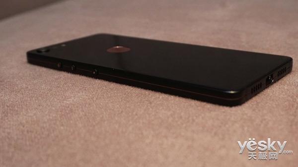 近两年最漂亮的锤子手机 坚果Pro 2开箱