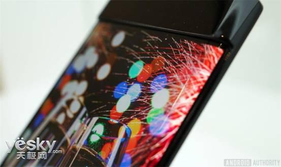 谷歌Pixel 2 XL被曝闪屏问题 这锅得LG来背