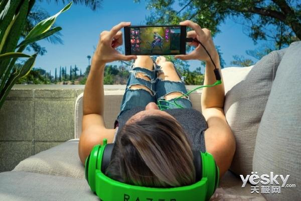 雷蛇手机Razer Phone港版12月9日开卖 5080元