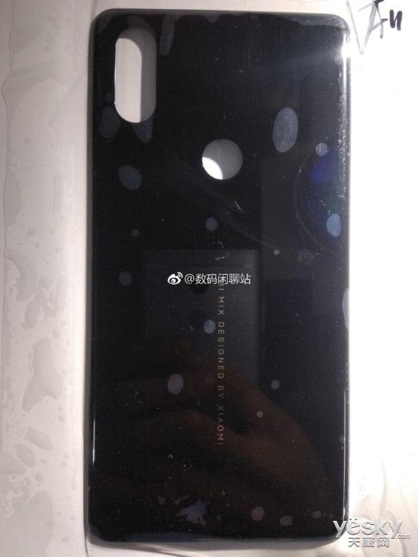 疑为小米MIX3陶瓷后盖曝光:模仿苹果iPhone X的脸