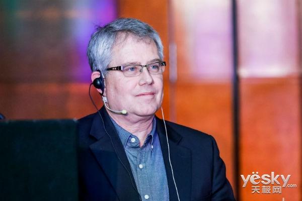 Alan Clark:重新定义开源 我们希望实现开源的开放