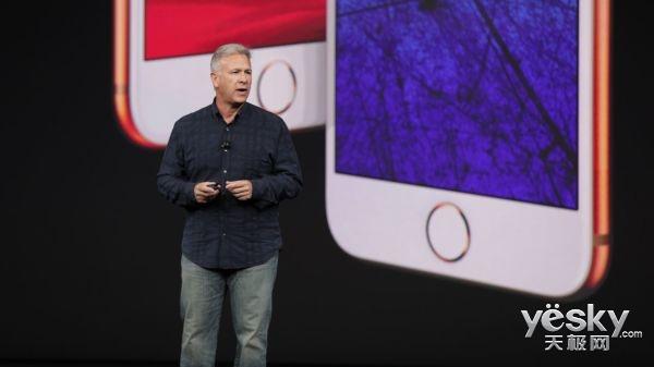 苹果营销老大:iphoneX弃实体Home键很绝妙 暗示iPad将支持Face ID
