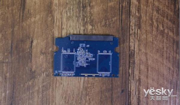 国产存储发力 预计2018年实现3D闪存SSD量产