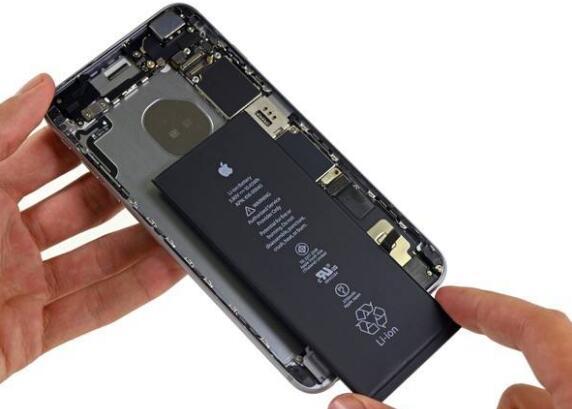 有了它,再也不用担心天太冷iPhone跑电甚至自动关机了