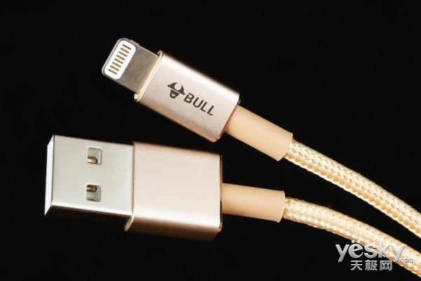 TA才是最适合iPhoneX的数据线,公牛苹果编织数据线图赏