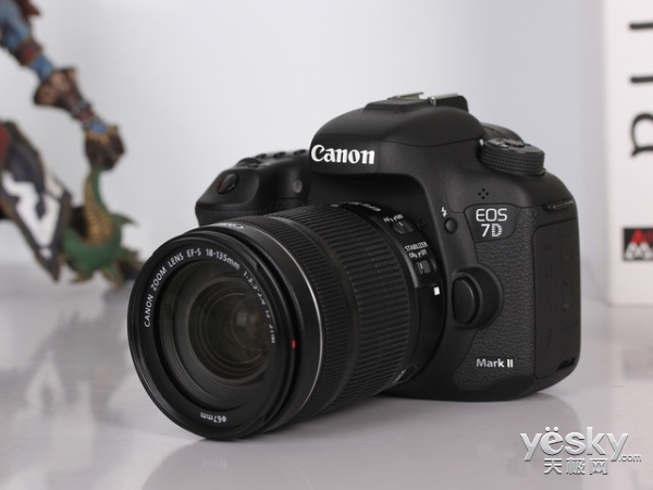 福伦达将新镜头不到6000块 传索尼明年发布A6700