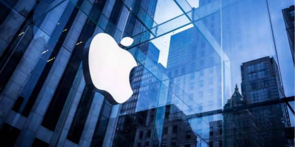 每日IT极热 苹果更换iPhone电池计划提前启动:首批供应需要抢