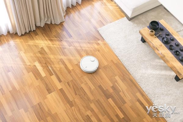 与不温不火的服务型机器人相比,家庭扫地机器人市场的快速增长,正说明图片