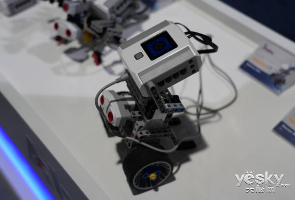 CES2018:科学教育不容忽视 能力风暴教育机器人降临CES现场