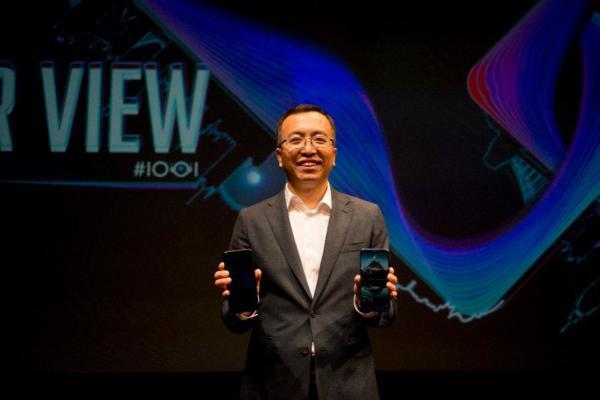 CES2018:人工智能手机荣耀V10亮相