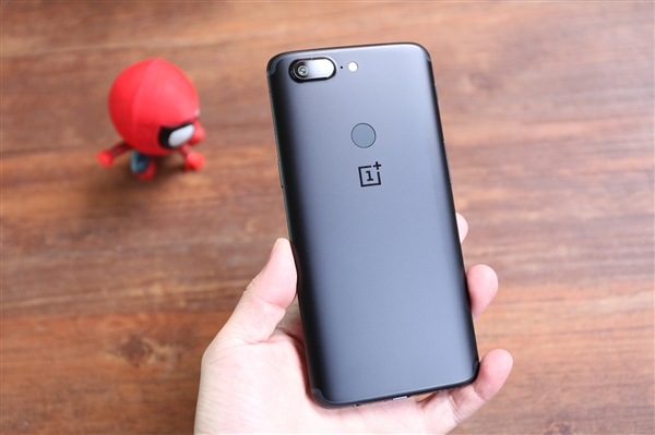 一加亮相CES2018 下一款手机将搭载骁龙845