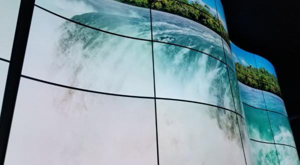 28米的超宽曲面屏是怎样的体验?LG柔性技术告诉你