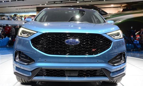 比汉兰达还要大一圈?30万左右买福特的这款SUV要比BBA超值多了