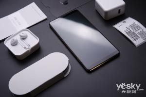 速度快还能湿手操控 vivo X20Plus屏幕指纹版上手体验