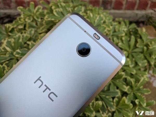 HTC手机营收创新低 吐血狂降27%它苦苦坚持为什么?