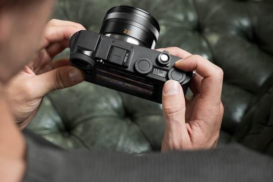 说明: Leica-CL-mirrorless-digital-camera-9