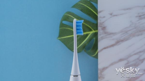 Oclean SE给不同的人用不同的刷牙方式