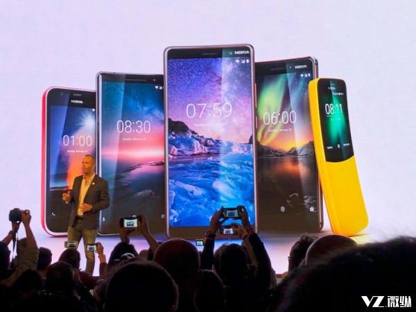 Nokia 8110翻盖手机重回江湖 复刻经典也许是诺基亚唯一的出路