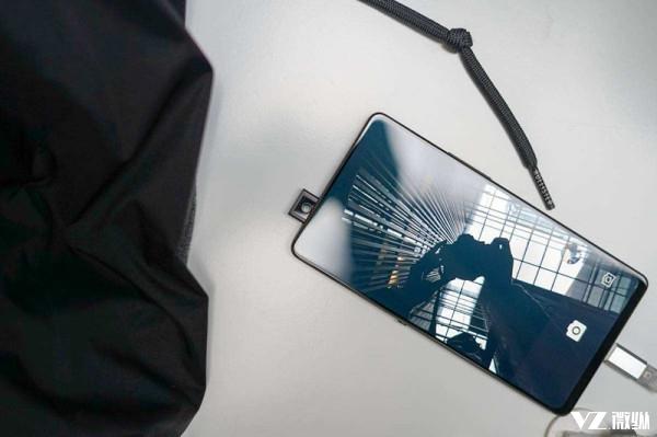 国产手机那么多 为什么只有vivo令苹果与三星大惊失色