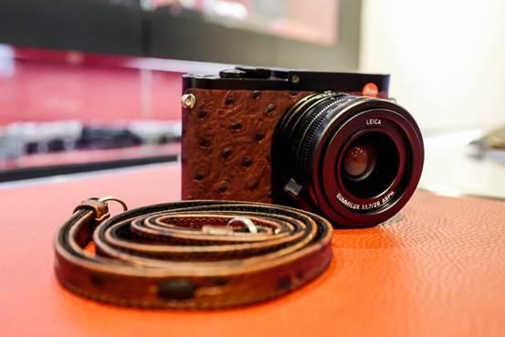 说明: Leica-Q-Ostrich-Style-camera3