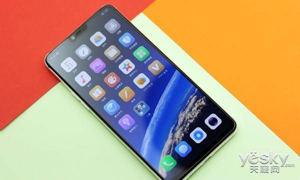 超视野+双面玻璃设计 OPPO R15全面屏手机工