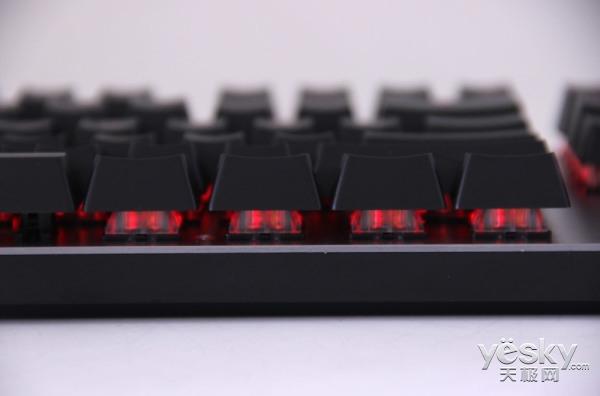 红外开关更强劲 雷柏V530L及V720L背光机械游戏键盘评测