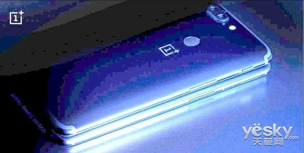 一加6手机真机放出:玻璃机身、屏幕尺寸提升,侧颜更美
