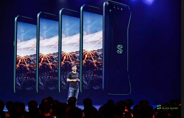 大公司晨读:余承东称华为手机并不贵 黑鲨游戏手机发布