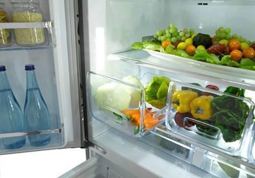 冰箱冷藏室为什么会有水?如何避免这种情况?