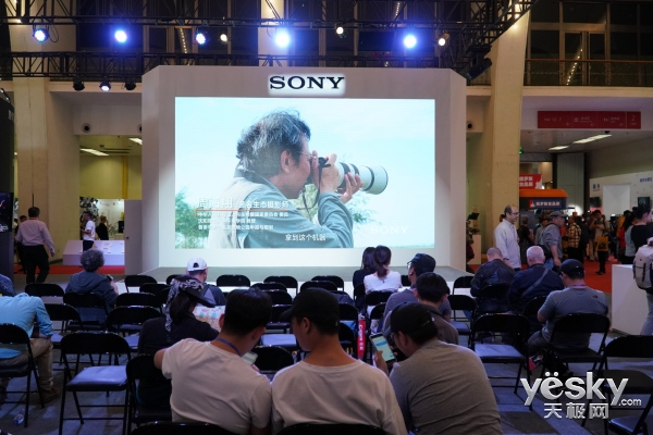 P&E 2018:索尼展台人气爆棚 子弹时间实拍体验