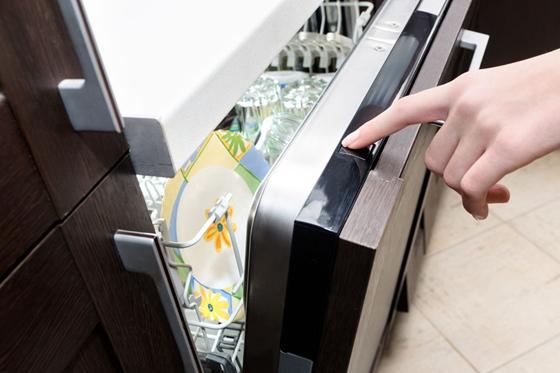 消毒柜很实用 但当碗柜用就不靠谱了