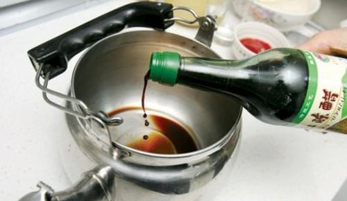 电热水壶如何去除水垢?几个小妙招帮到你!