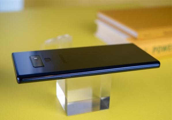 三星Note9正式发布:8GB+512GB内存,S pen升级,售价7499元起