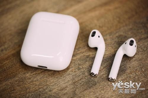 苹果AirPods充电方式或许有两种:AirPower和Qi无线充电