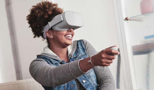 VR本周说:HTC Vive发布无线升级套件,Oculus或推出高端VR一体机