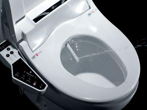 如何清理才能延长智能马桶的使用寿命?智能马桶正确清洁方法介绍