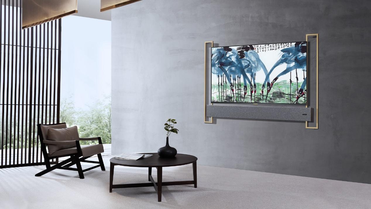 XESS品牌形象大使何穗:真正的美,被吸引只需一眼