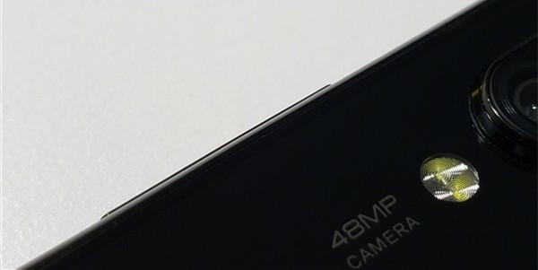 小米拍照神机曝光:挖孔屏设计,后置4800万像素镜头