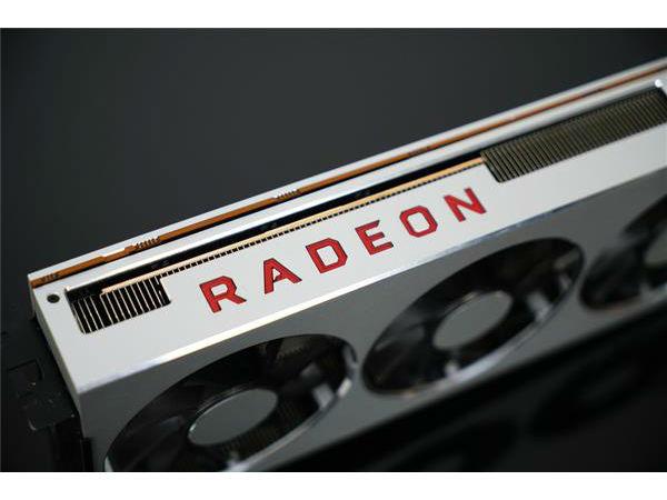 AMD极限堆料 全球首款7nm显卡将解禁